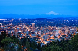 View of Portland, Oregon from Pittock Mansion at Night. (Image: 123rf.com / Josemaria Toscano)