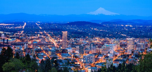 View of Portland, Oregon from Pittock Mansion at Night. (Image: 123rf.com / Josemaria Toscano)